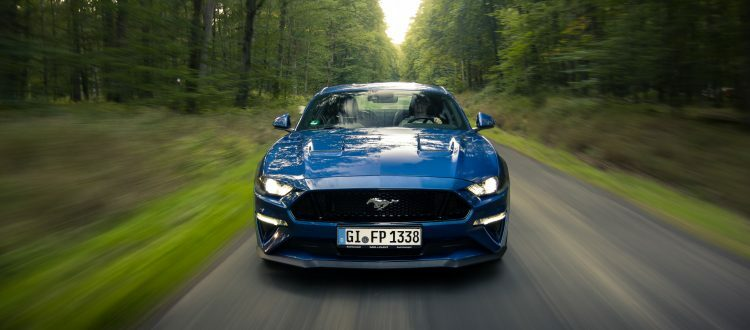 Rent Ford Mustang GT in Gießen