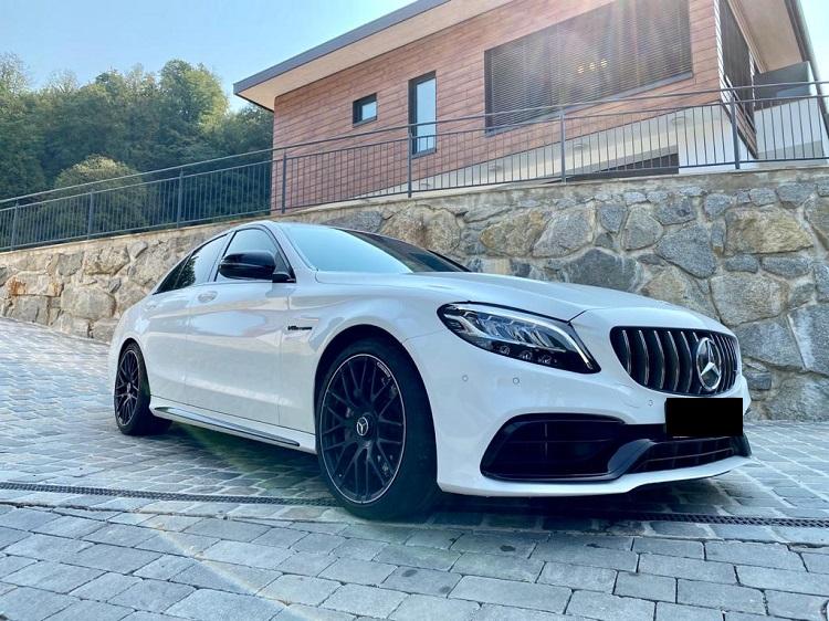 Rent a Mercedes 63 AMG in Innsbruck
