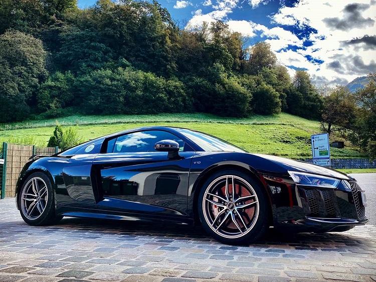Rent an Audi RS8 plus in Innsbruck